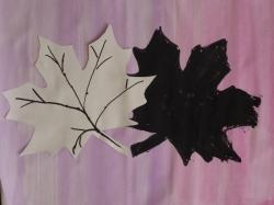 Herbstblatt mit Schatten_5