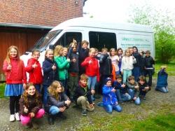Grabenforschungen mit dem Umwelt-Lernmobil